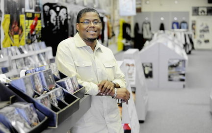 Son re-opens Birmingham music store founded by his slain dad