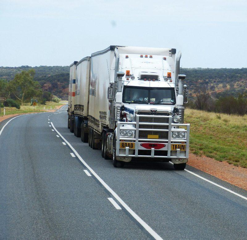 semi-trailers-534577_800x775